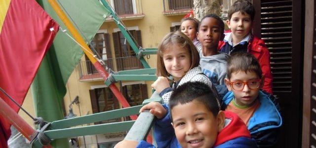 En octubre el alumnado de 2º de primaria visitó el palacio del Condestable y una madre de una niña de 2º A les enseñó el palacio y los trabajos que […]
