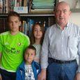 Juan José Lacosta Gabari, es abuelo de Leyre Gonzalez. Era profesor del instituto Navarro Villoslada, de Pamplona. 1. ¿Qué asignaturas enseñabas? – Lengua española a 1º y 2º de la […]
