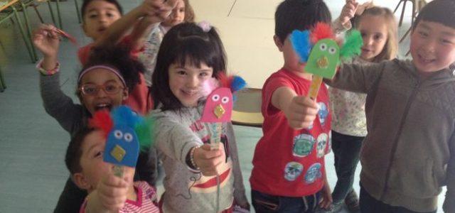 Este curso nos hemos animado de nuevo en Infantil a crear talleres internivelares con espacios de: maquillaje, yoga, puppets, reciclaje, cocina, bingo, modelado, maquillaje, danzas y games. Se han llevado […]