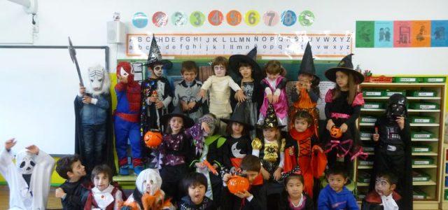 Como en años anteriores, en Infantil, aprovechamos las fiestas de Halloween, Navidad y Carnavales, para disfrutarlas todos juntos. Recibimos con nerviosismo e ilusión a numerosos personajes: En Halloween recibimos la […]