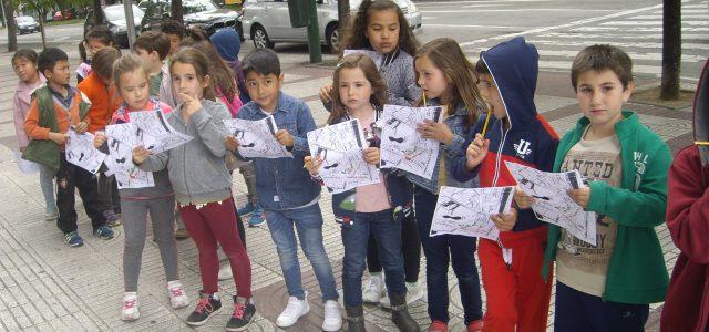 """El día 24 de noviembre los alumnosy alumnas de 1º de primaria fuimos ala fábrica de caramelos """"El Caserío""""de Tafalla. Nos pusimos unas batas ygorros, probamos los ingredientes ytras visitar […]"""