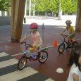 El miércoles 3 de mayo vino un policía a clase. Recordamos las normasbásicas para circular por la ciudad y aprendimos cómo evitar accidentes. Próximamente pondremos en práctica lo que sabemos […]