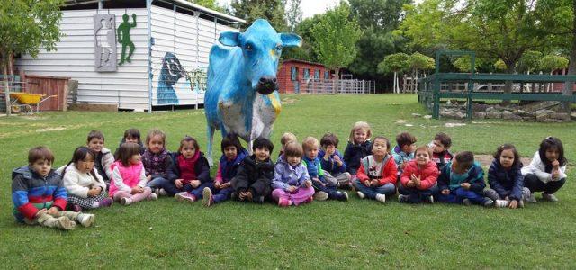 Los alumnos y alumnas de 3 años realizaron el pasado 3 de mayo su primeraexcursión. Fuimos a la granja Esquíroz. Salimos a la mañana cargados connuestras mochilas y nos montamos […]
