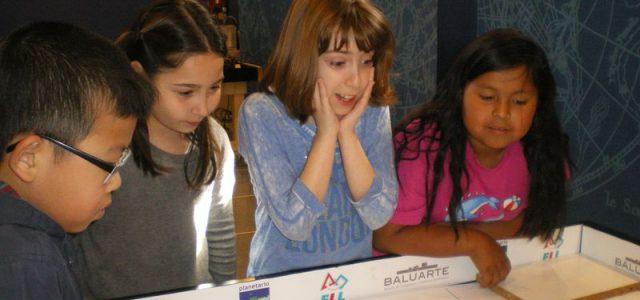 El jueves 3O de marzo, el alumnado de 4º de primaria fue al Planetario para participar en un taller de robótica. Les explicaron cómo programar un robot en el ordenador. […]